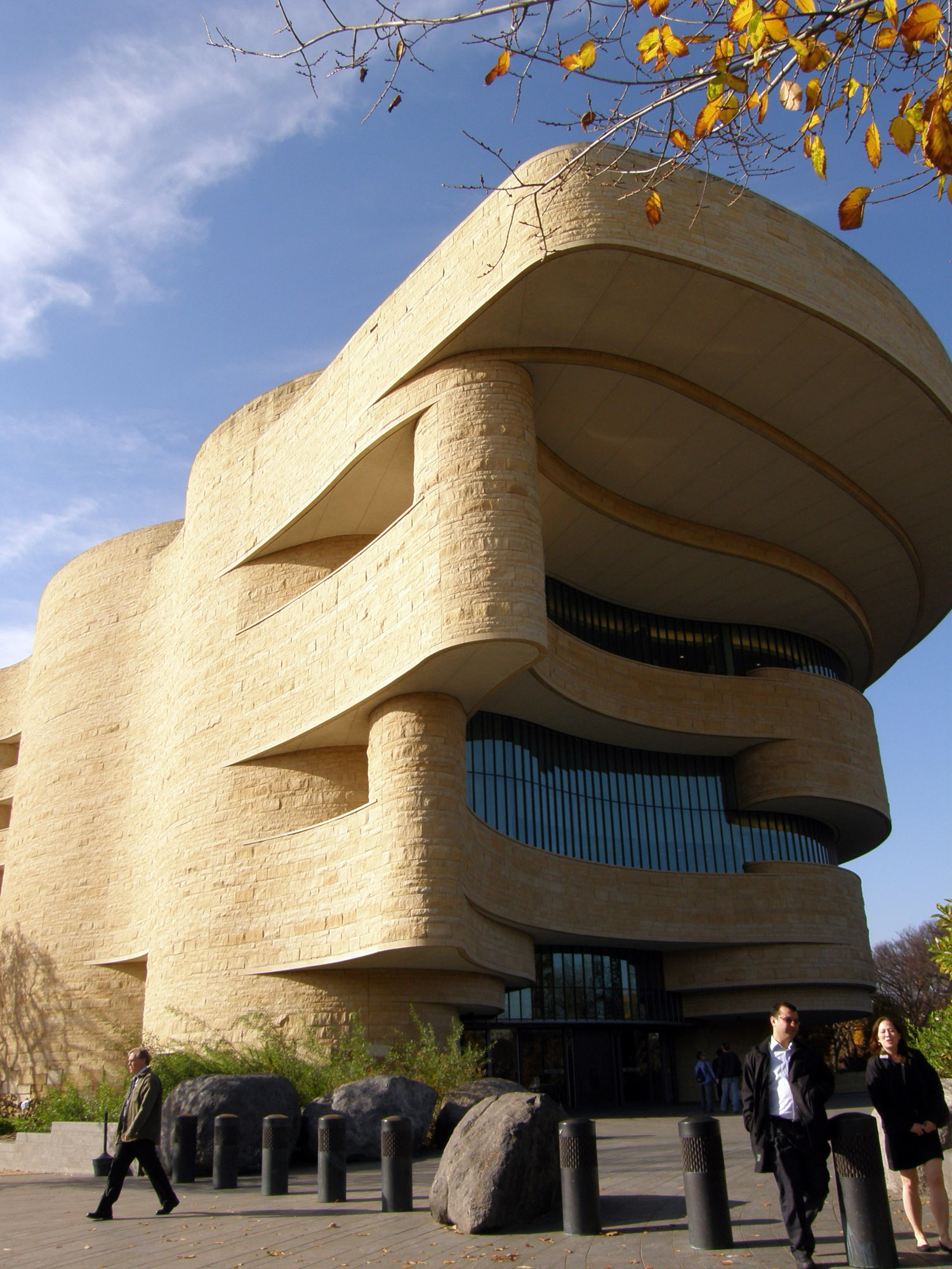 american indian smithsonian museum In the 1990s the smithsonian was given an opportunity to purchase this large   when the american indian museum opened on the mall at washington, dc,.