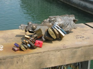 Even the turtle-like sculpture is adorned with padlocks