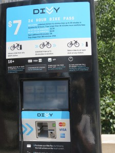 How to work the Divvy bikes in Chicago----only $7 for a 24-hour period