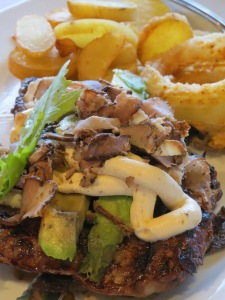 Rump steak topped with avocado and pieces of biltong (plus some mayo). Yumm!