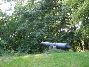A canon close by, to remind us there have been numerous wars here